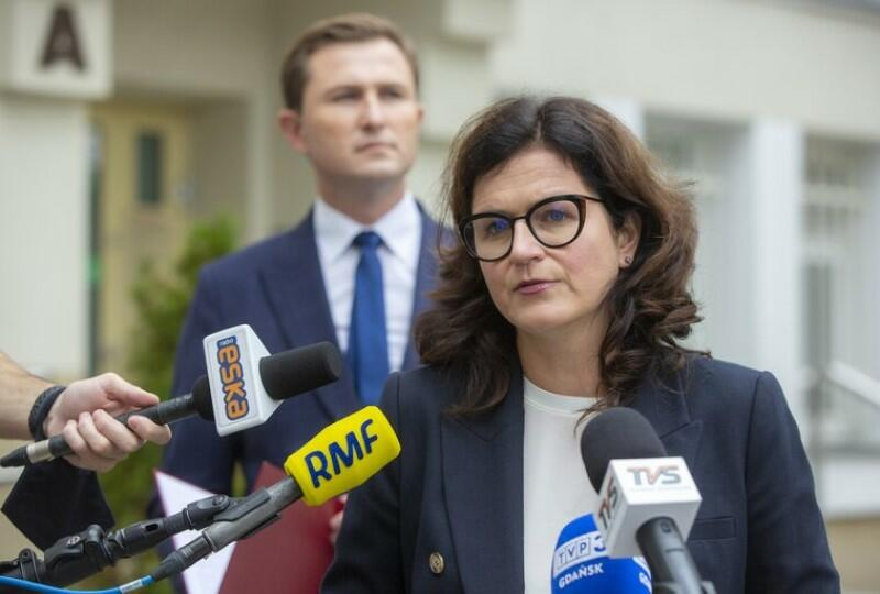 Aleksandra Dulkiewicz zapewniła podczas konferencji 14 września 2021 r., że zmiany właścicielskie pozostają bez wpływu na zatrudnienie pracowników i charakter działalności spółki