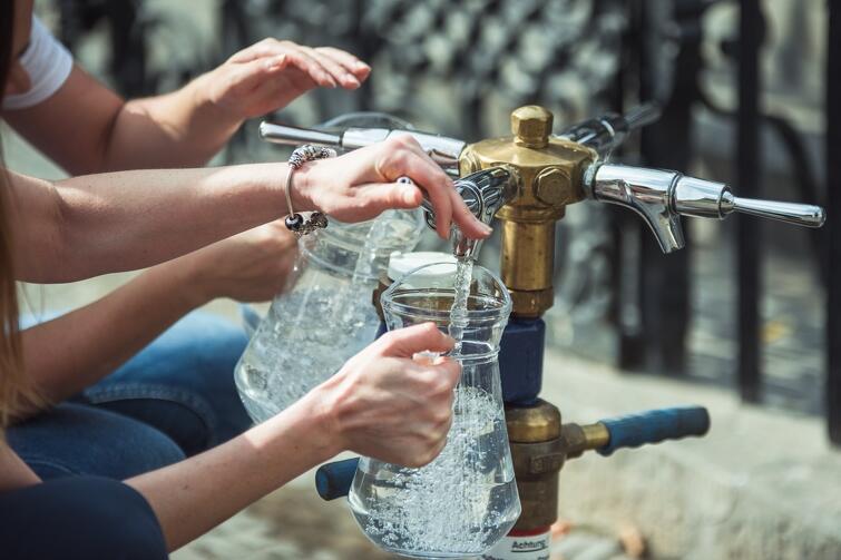 Wg badań, które przeprowadzili naukowcy z UG blisko połowa mieszkańców Gdańska deklaruje, że pije wodę z kranu