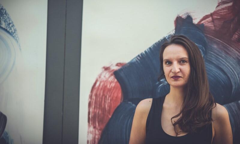 - Głównym motywem mojego działania jest natura - tłumaczy Jolanta Gmur. Wystawa w piątek, 17 września 2021 r., LKW Gallery, pod wiaduktem przy ul. Szopy