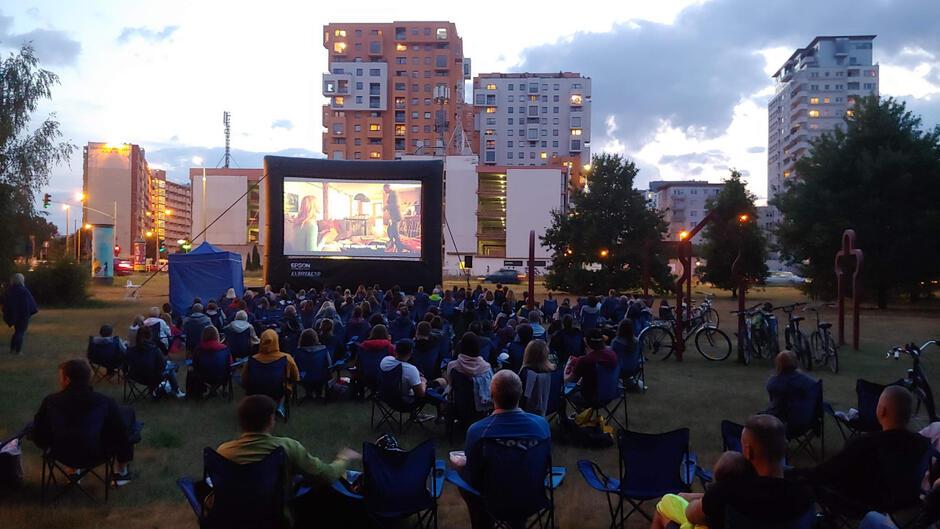 """""""Gdańska Fala Filmowa"""" to projekt, który ma przede wszystkim aktywizować lokalną społeczność poprzez zachęcanie do wspólnego oglądania"""