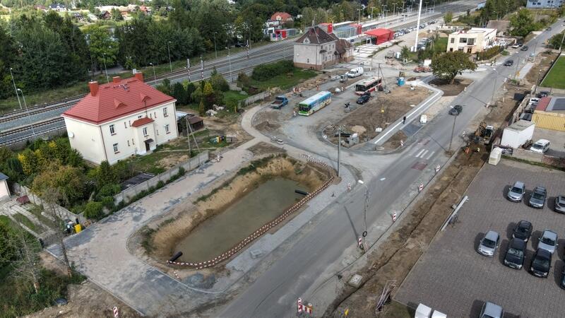 Jeszcze w październiku powinna zakończyć się inwestycja dotycząca Budowy węzła integracyjnego Osowa wraz ztrasami dojazdowymi
