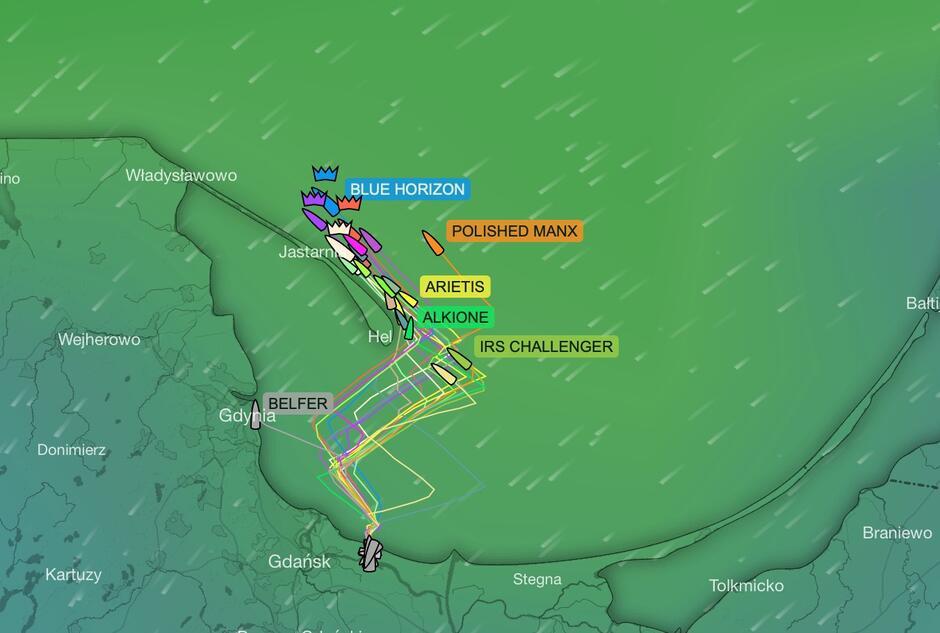 Mapa rywalizacji z godziny 17.00. Aktualną pozycję jachtów można obserwować w aplikacji Yellow Brick oraz na stronie organizatora regat
