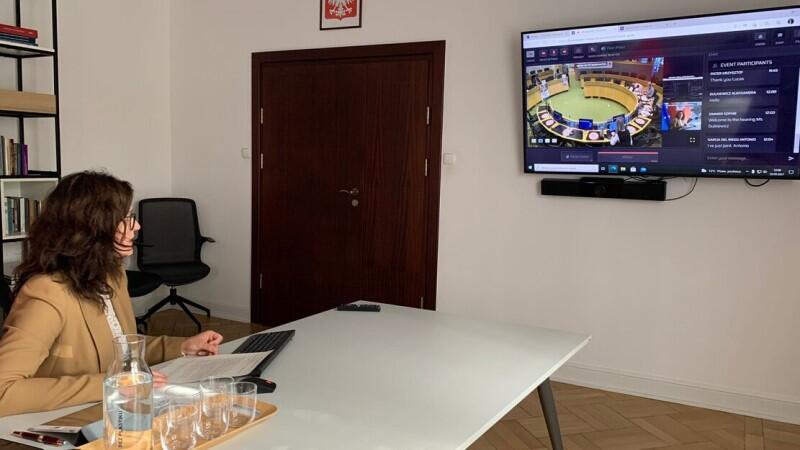 Spotkanie odbyło się w trybie online. Prezydent Aleksandra Dulkiewicz przedstawiła rozmówcom aktualny potencjał miejskiego wolontariatu i perspektywy związane z przyznaniem Gdańskowi tytułu Europejskiej Stolicy Wolontariatu 2022