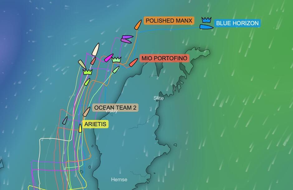 Na czele stawki znajduje się od dłuższego czasu Blue Horizon, który nie tylko, że płynął najszybciej, to jeszcze najostrzej do wiatru. Pozwoliło to zaoszczędzić wiele mil i wiele czasu. To bardzo ważne, bo wkrótce żeglarze mogą spodziewać się najpierw flauty a później sztormowego wiatru z niekorzystnego kierunkuObraz trackingu YellowBrick
