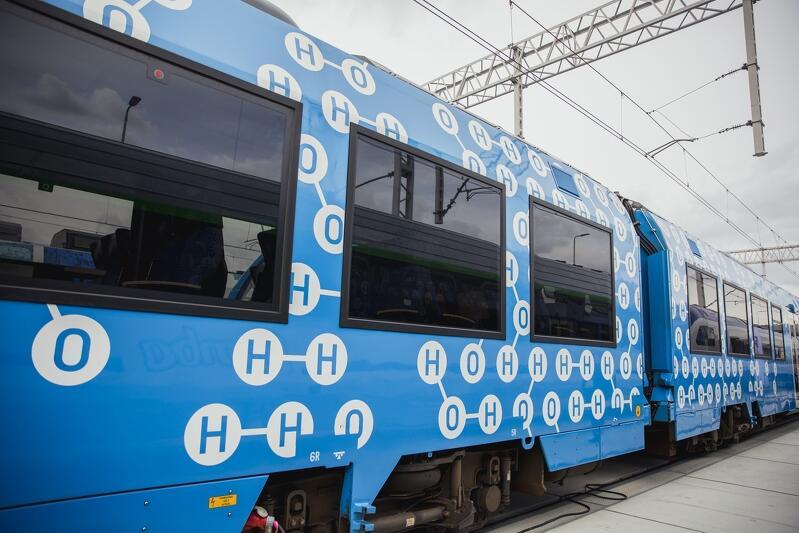 Pierwszy na świecie pasażerski pociąg wodorowy Coradia iLint firmy Alstom - także na TRAKO