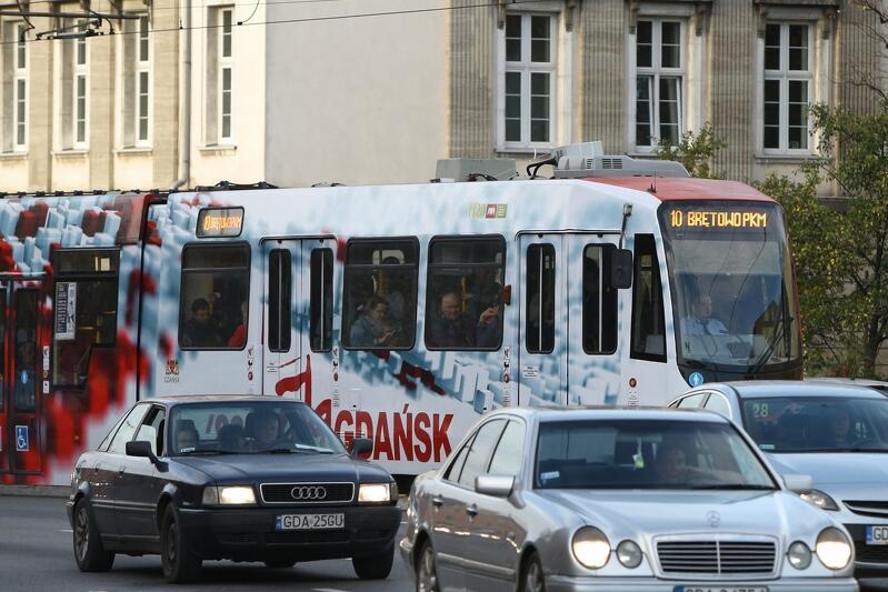 Zdjęcie archiwalne - tramwaj linii 10, rok 2019