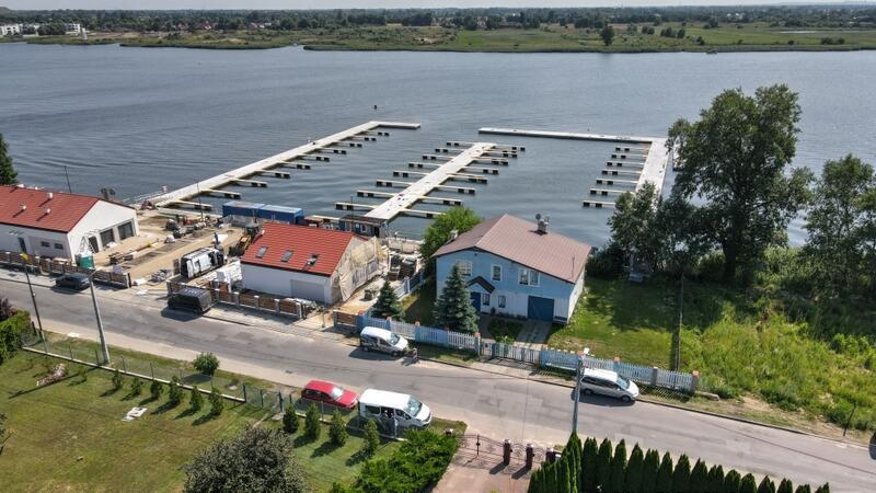 Na Wyspie Sobieszewskiej, przy ul. Nadwiślańskiej, powstał obiekt, w którym zacumować mogą 73 jednostki