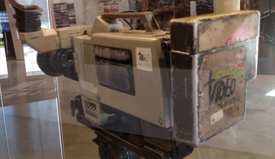 Pierwszą kamerę Biura Informacyjno-Prasowego Solidarności (BIPS) można zobaczyć na wystawie w Europejskim Centrum Solidarności