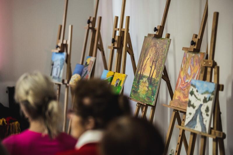 Podczas zjazdu można było obejrzeć dwie wystawy: malarską i fotograficzną