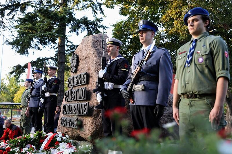 Targ Rakowy, uroczystości przy Pomniku Polskiego Państwa Podziemnego, 27 września 2021