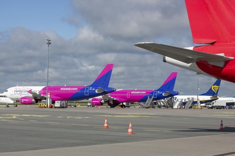 Dla Portu Lotniczego im. F. Chopina opłata terminalowa i trasowa wzrośnie o 53 proc., a dla lotnisk regionalnych o 70 proc. Takie podwyżki zmuszą linie lotnicze do ograniczenia siatki połączeń obsługiwanych z lotnisk regionalnych i podwyżki cen biletów