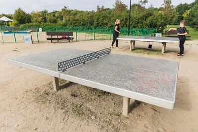 Rekreacja, czyli stoły do tenisa stołowego ...