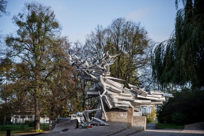 Pomnik upamiętniający obrońców Poczty Polskiej w Gdańsku
