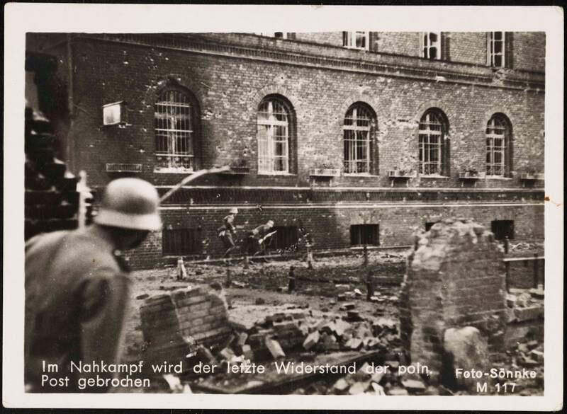 1 września 1939 roku. Walki przed siedzibą Poczty Polskiej w Gdańsku