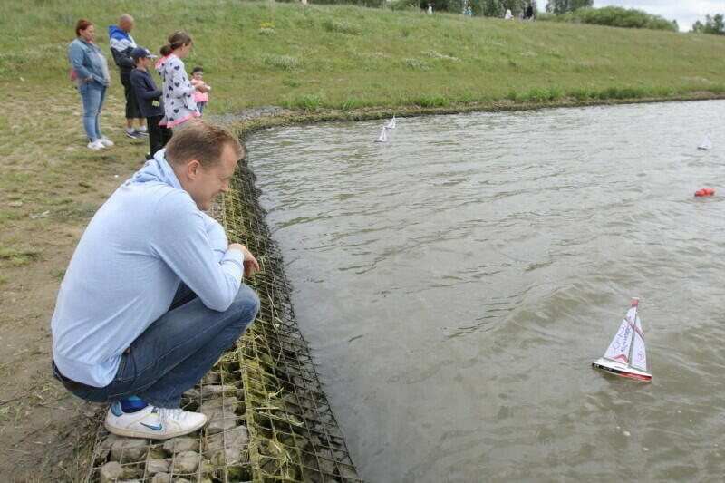 Rozległe tereny zielone wokół zbiornika retencyjnego Świętokrzyska II od dawna są dla mieszkańców miejscem wypoczynku i rekreacji. Teraz chodzi o to, by obszar poszerzyć do powierzchni 77 hektarów i zagospodarować tak, by stał się wielkim i pięknym parkiem miejskim