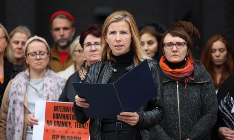 Rzeczniczka Gdańskiego Teatru Szekspirowskiego odczytała apel ludzi polskiej kultury w środę, w samo południe