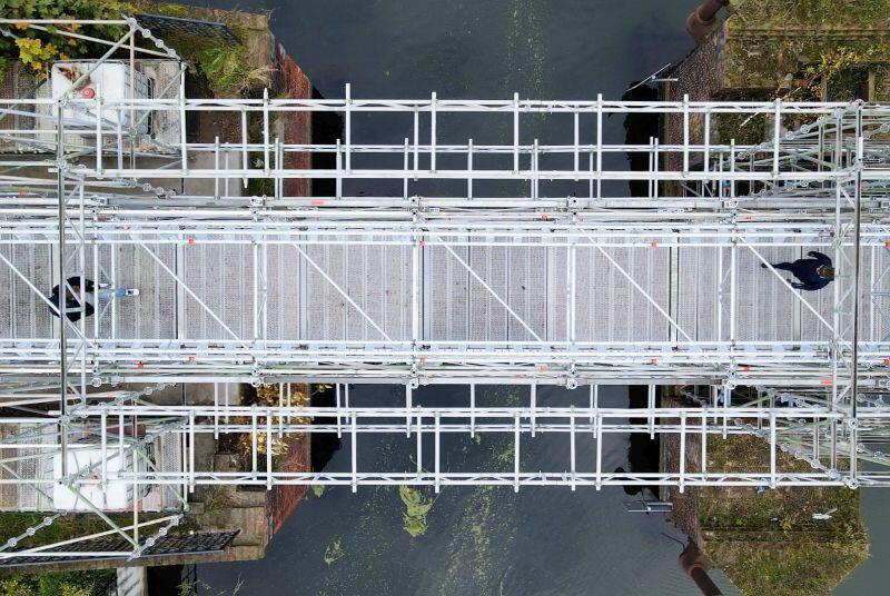 Tymczasowa kładka, która na czas remontu zastępuje Most Stągiewny