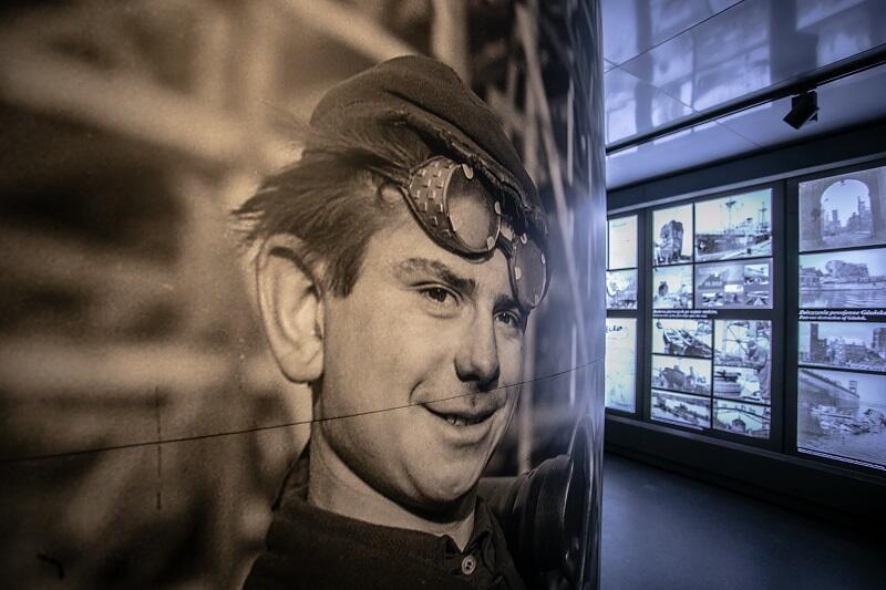 Sołdek i ludzie związani z nim na każdym etapie jego historii - to bohaterowie nowej wystawy