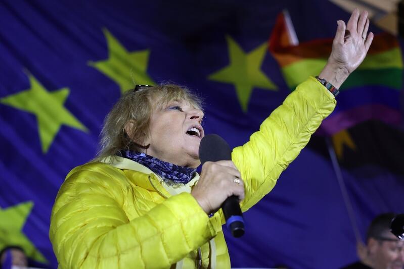 Na wiecu przemawiała również aktorka, gdańszczanka Dorota Stalińska