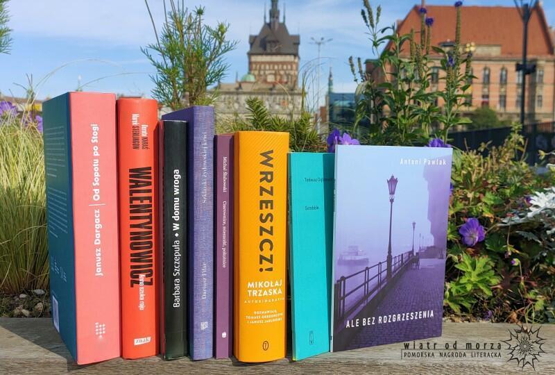 Oto książki nominowane do tegorocznej edycji literackiej nagrody Wiatr od morza  (za rok 2020)