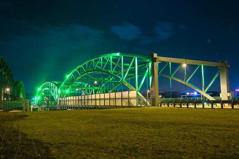 Zielony wiadukt w ciągu ul. Kościuszki tym razem będzie podświetlony na różowo