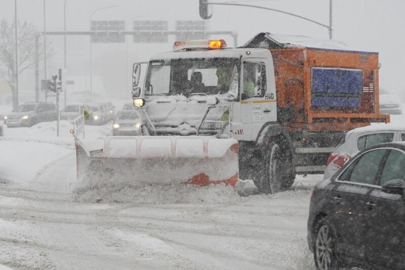 Usuwanie skutków zimy na ulicach Gdańska