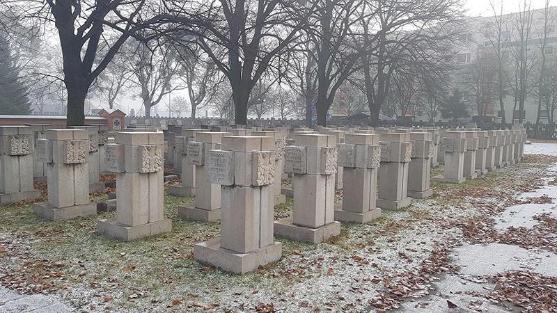 Nagrobki na Cmentarzu Pomniku Bohaterów Zaspa