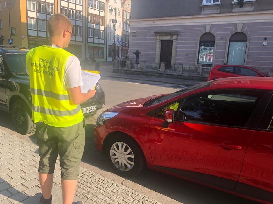 Krokiem do wprowadzenia Śródmiejskiej Strefy Płatnego Parkowania była analiza parkingowa przeprowadzona w czerwcu 2019 r.