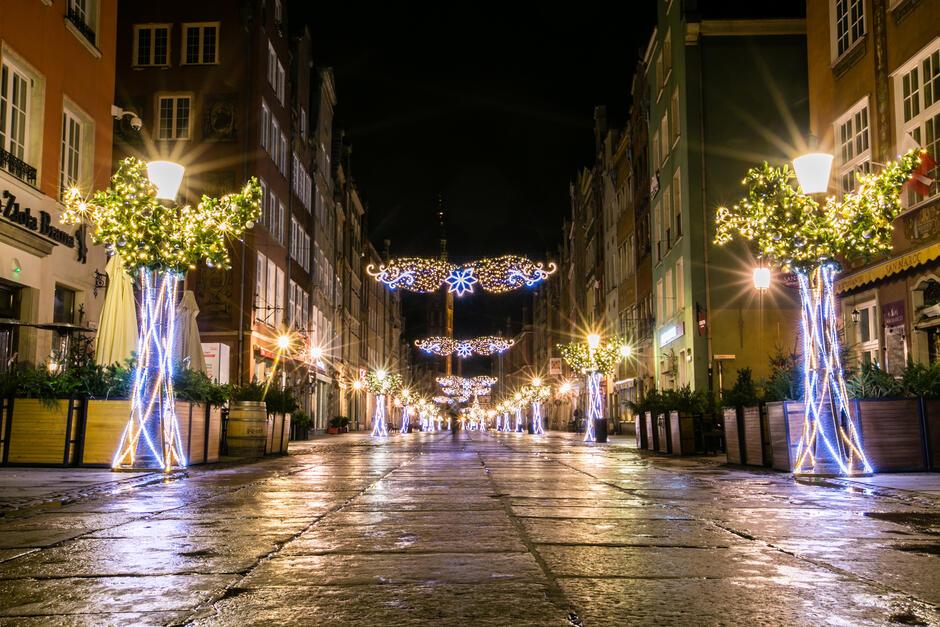 Iluminacje świąteczne na ul. Długiej