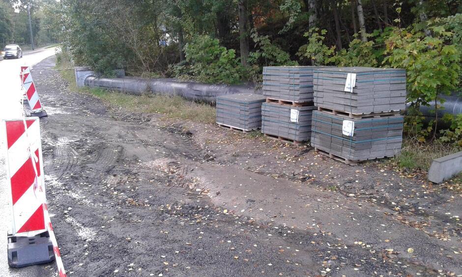 Rozpoczęła się budowa chodnika na ul. Nowej Medyków