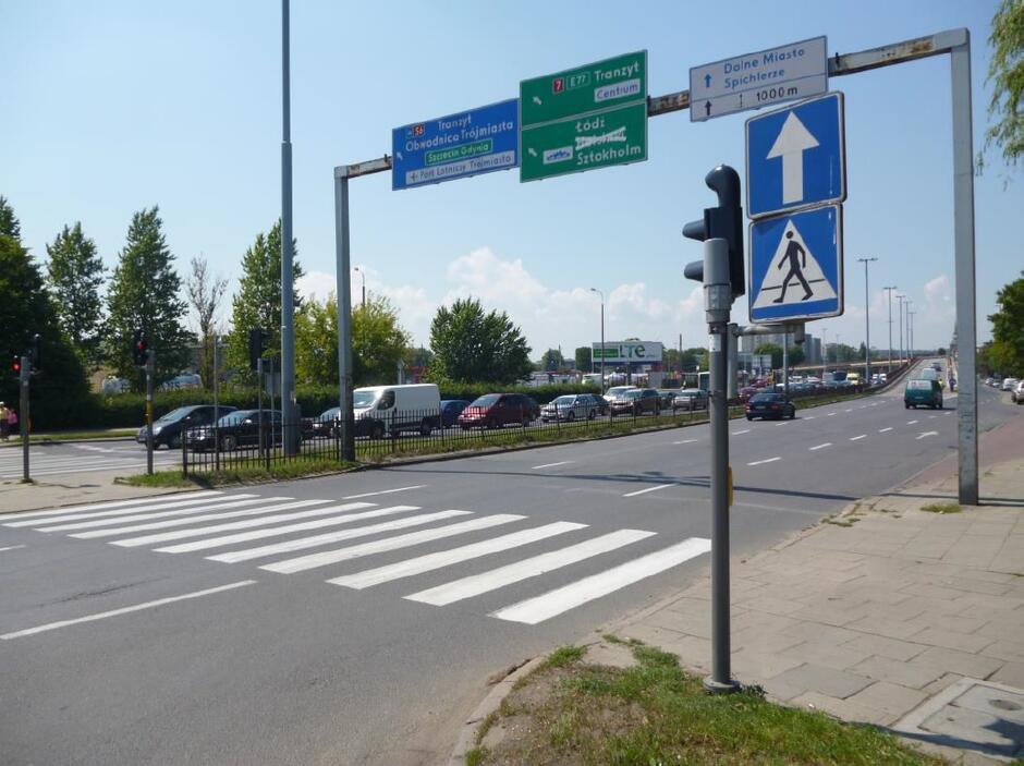 W miejsce dotychczasowej bramownicy na ul. Elbląskiej ustawiona zostanie nowa konstrukcja z nowym zestawem drogowskazów