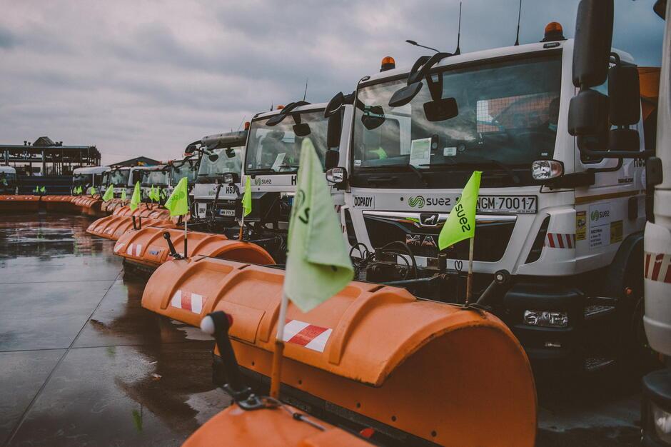 Do utrzymania zimowego wykorzystywanych jest ponad 140 specjalistycznych pojazdów