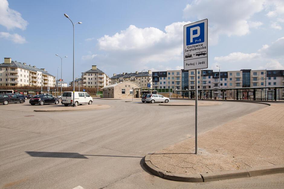 W Gdańsku funkcjonuje osiem oznakowanych parkingów Parkuj i Jedź