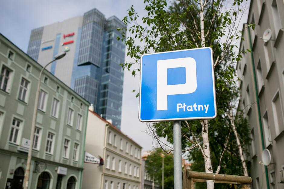 Zmiany w funkcjonowaniu Strefy Płatnego Parkowania dotyczą m.in osób niepełnosprawnych i kombatantów