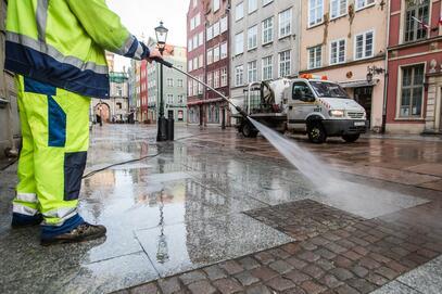Rozpoczęliśmy sezonowe mycie chodników w ścisłym centrum miasta