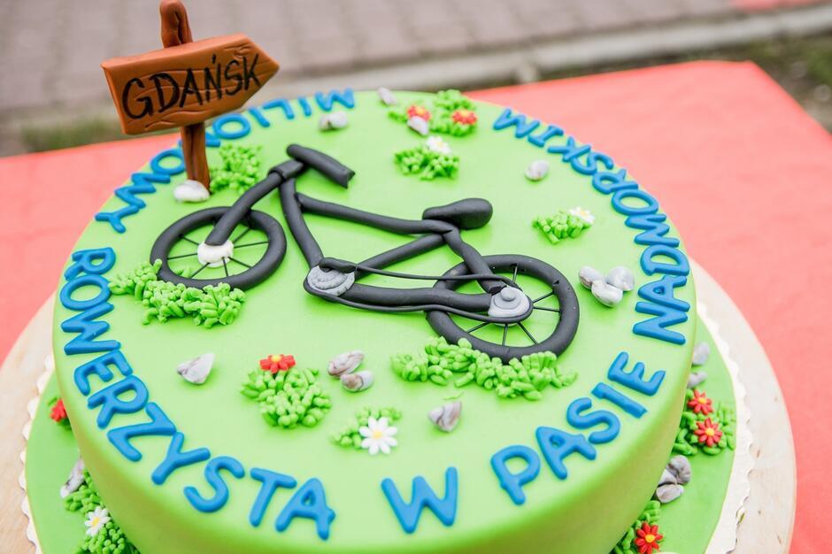 Tort z okazji milionowego rowerzysty w Pasie Nadmorskim
