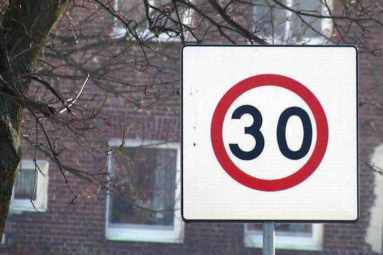 Holandia wprowadza w całym kraju ograniczenie prędkości w terenie zabudowanym do 30 km/h