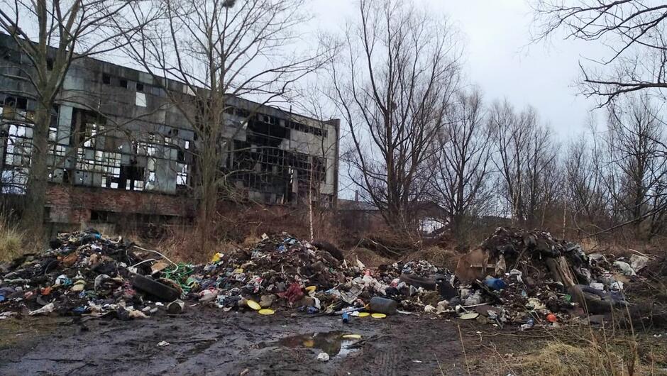 Podrzucone odpady Ku Ujciu Siennicka - Ref VI - 2019-03-11 0001