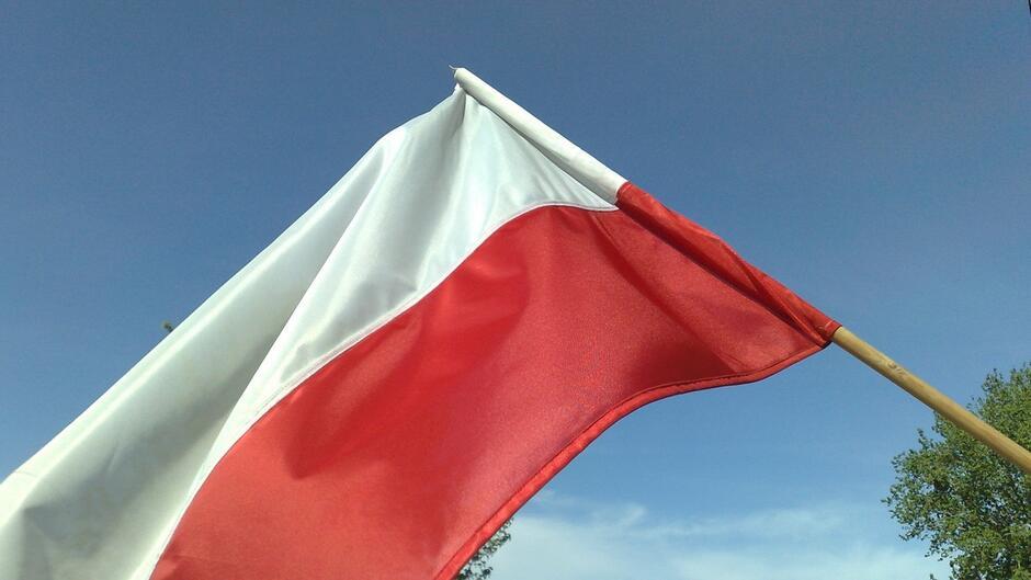 flaga 1200px