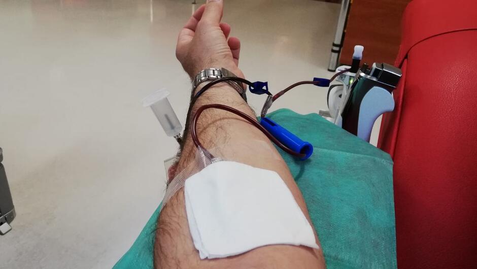 dłoń pobieranie krwi