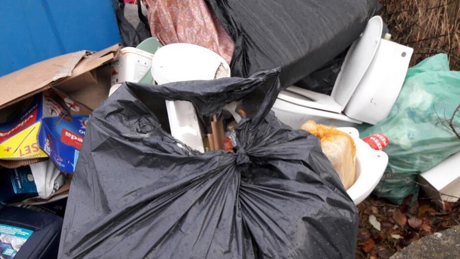 wyrzucone odpady
