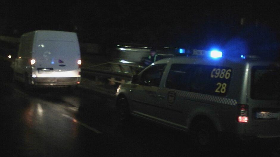radiowóz strażnik samochód dostawczy ulica