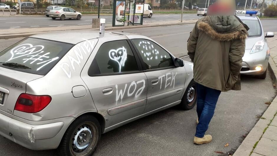 Grafficiarz samochod Zawodnikow - RefProf - 2020-11-16 foto 01 1200x675