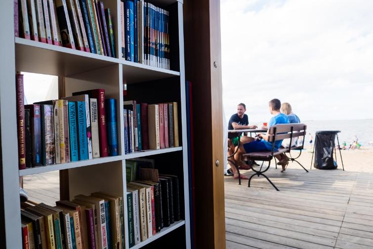 Strand Bibliotheke