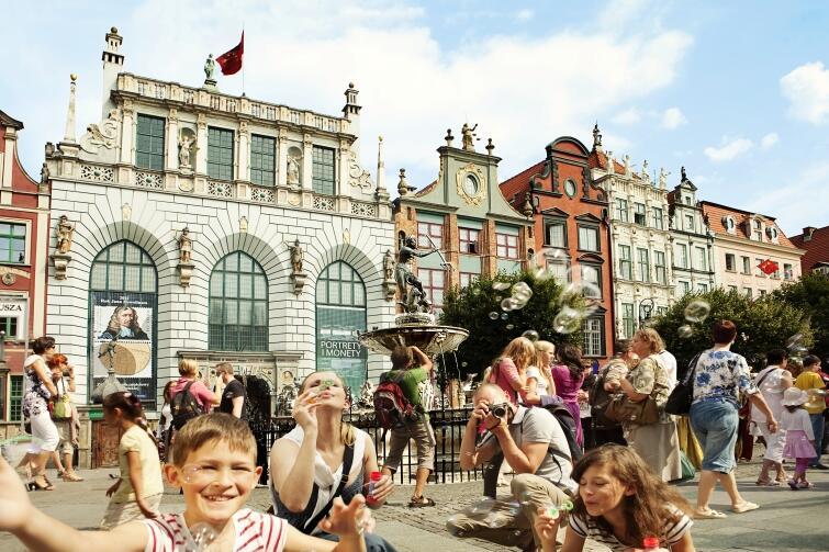 Neptun-Brunnen am Langen Markt