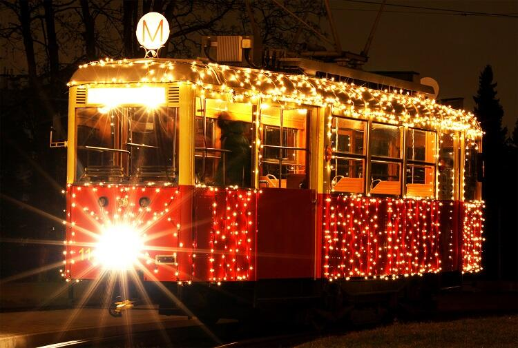Mit der Weihnachtsstraßenbahn durch Danzig