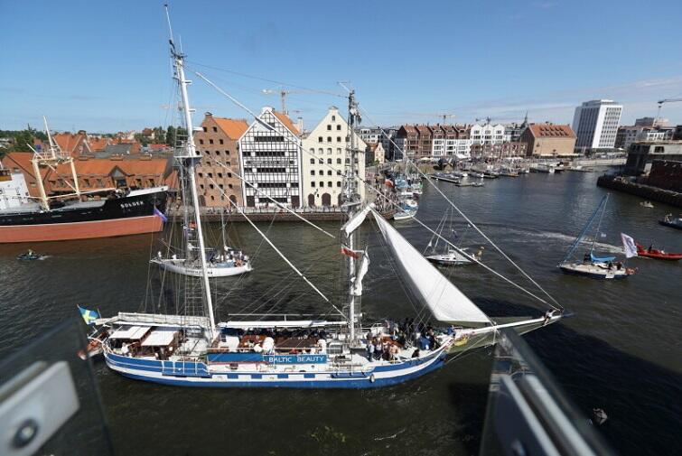 Zakonczenie_V_Swiatowego_Zjazdu_Gdanszczan_i_Baltic_Sail_123195_800px.JPG