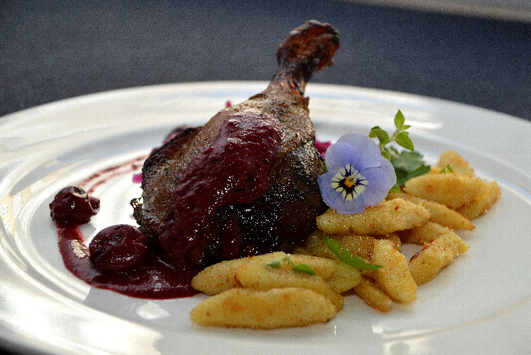 Cooked duck thigh