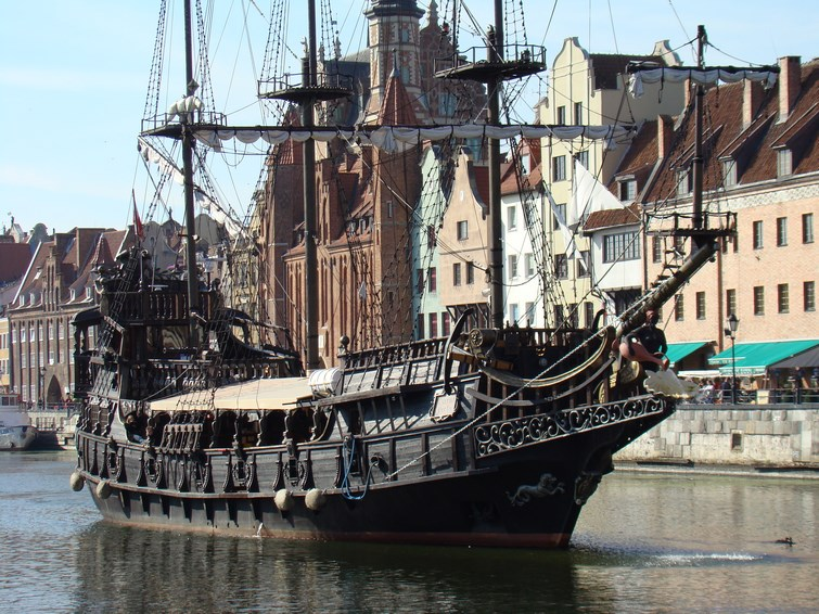Pirate ship at Motlava River