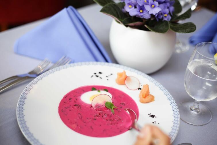 Cold beet greens soup